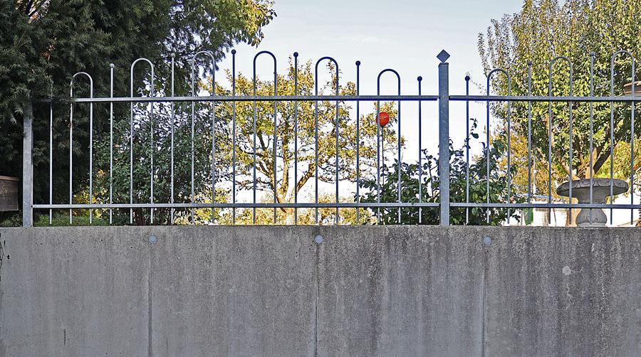 Beton ermöglicht Gestaltung (Gartenflächen hinter einer Stützwand)