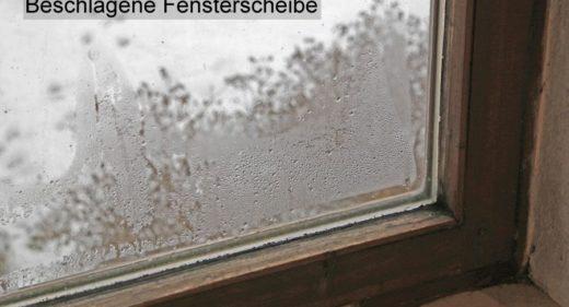 Fenster mit tropfenförmigen Kondensat